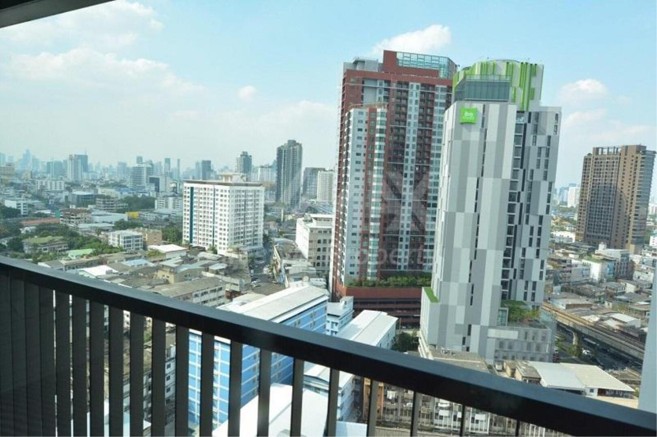 RE/MAX LifeStyle Property Agency's Life Sukhumvit 48 5