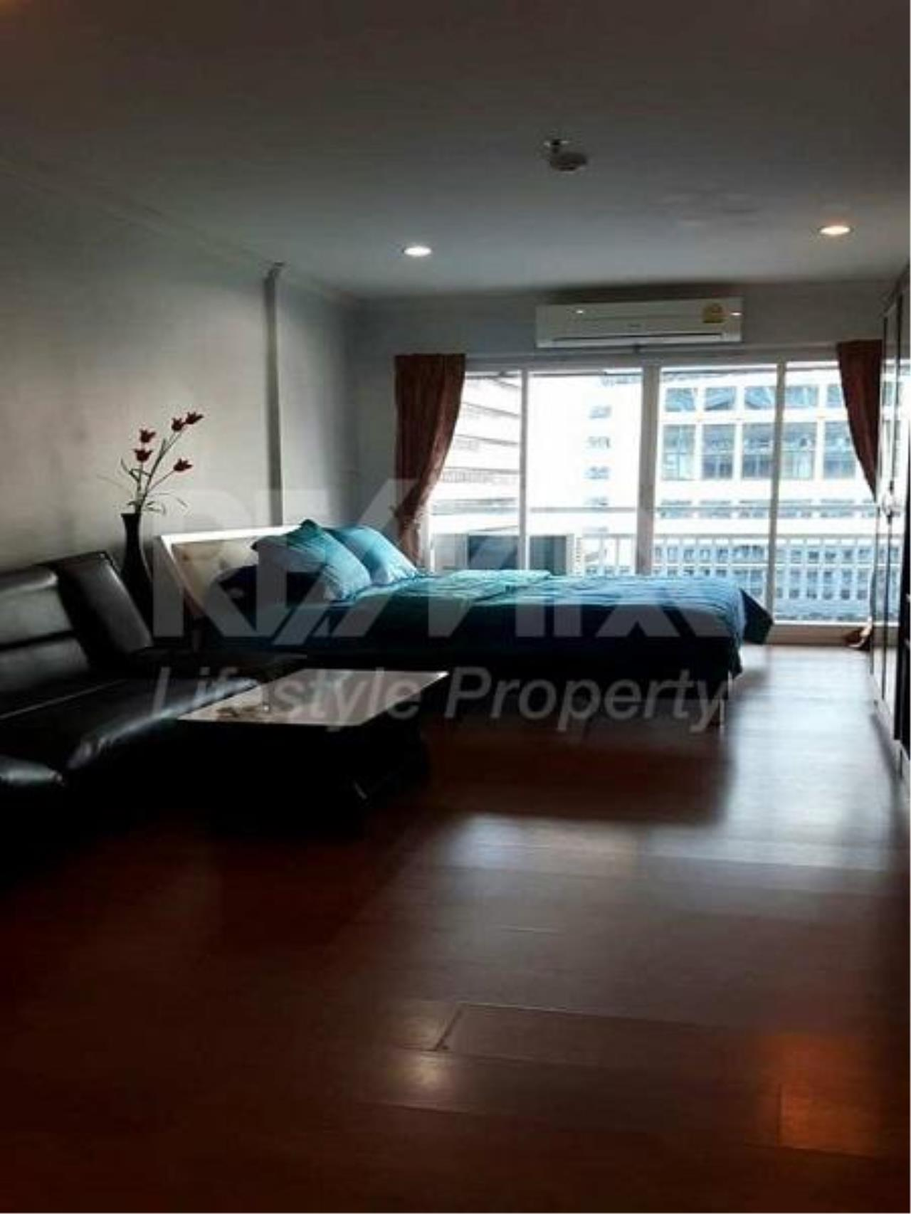 RE/MAX LifeStyle Property Agency's Grand Park View Asoke 11