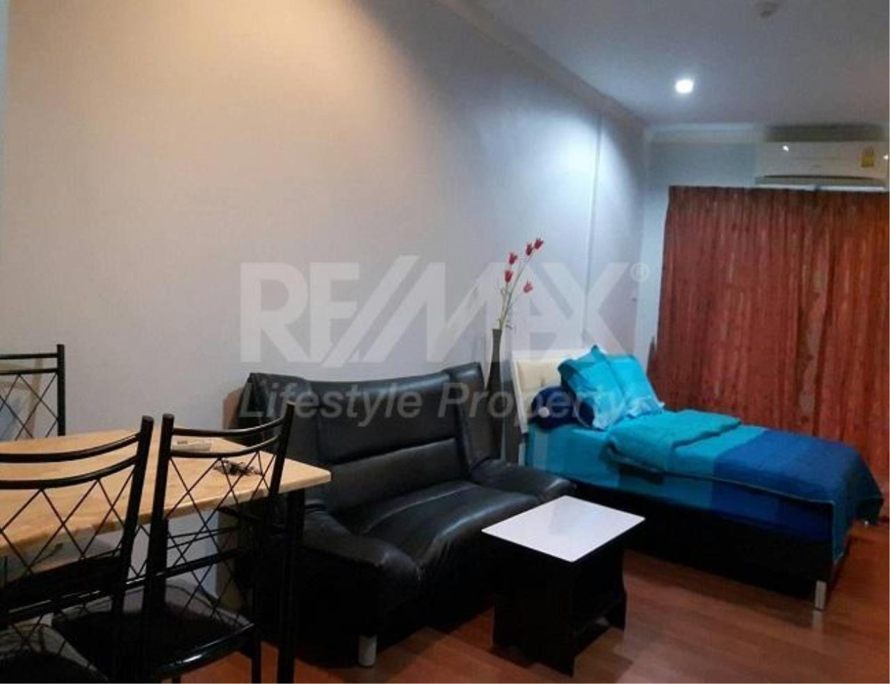 RE/MAX LifeStyle Property Agency's Grand Park View Asoke 8