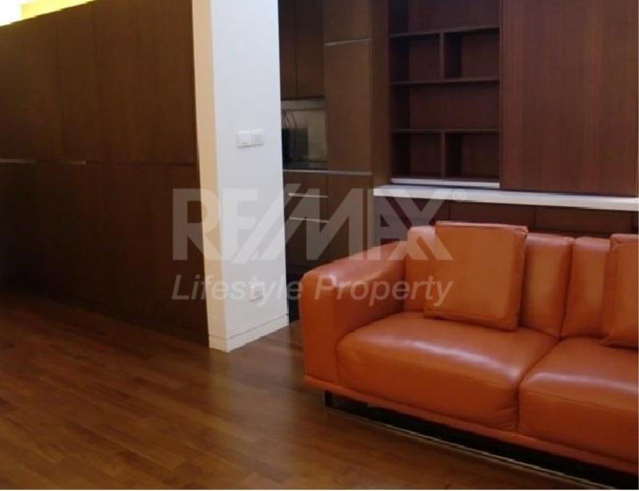RE/MAX LifeStyle Property Agency's Hansar Rajdamri 5