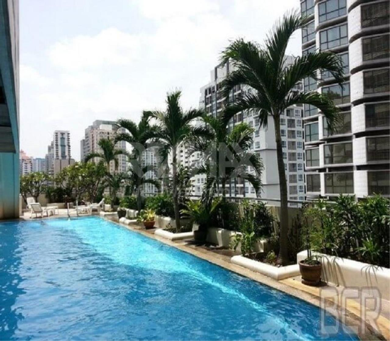 RE/MAX LifeStyle Property Agency's Sukhumvit Suite 6