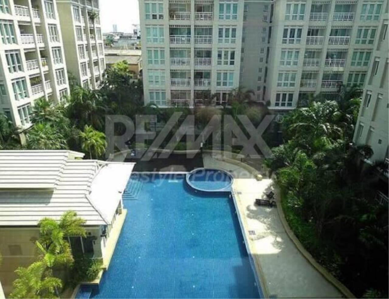 RE/MAX LifeStyle Property Agency's The Bangkok Narathiwas Ratchanakarint 5