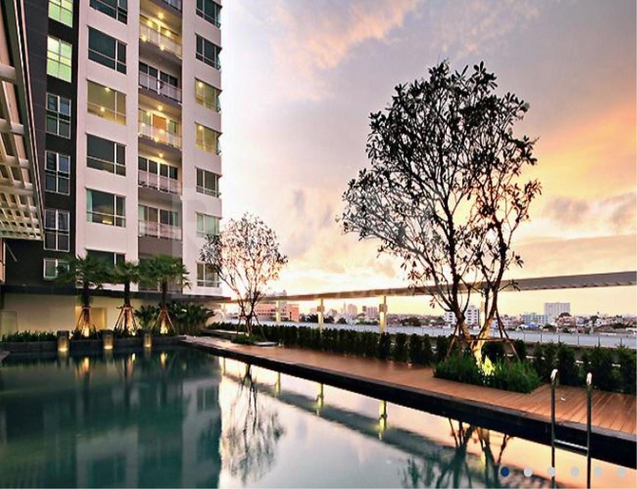 RE/MAX LifeStyle Property Agency's The Room Sathorn-Taksin 5