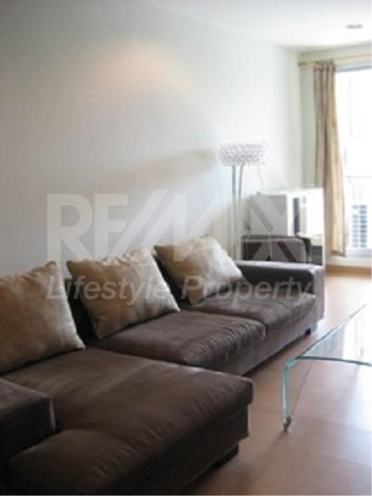 RE/MAX LifeStyle Property Agency's The Address Sukhumvit 42 9