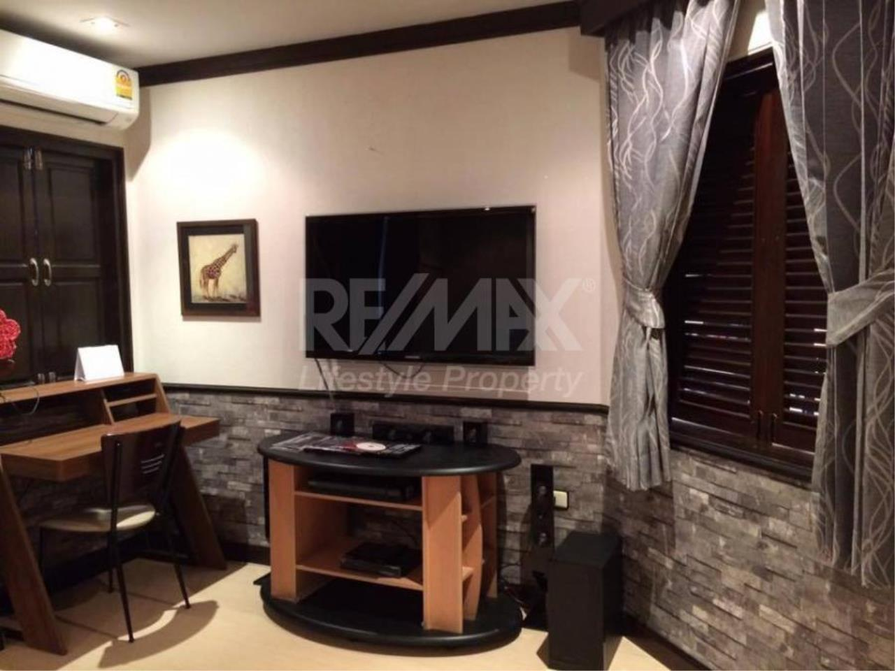 RE/MAX LifeStyle Property Agency's Studio 33 4