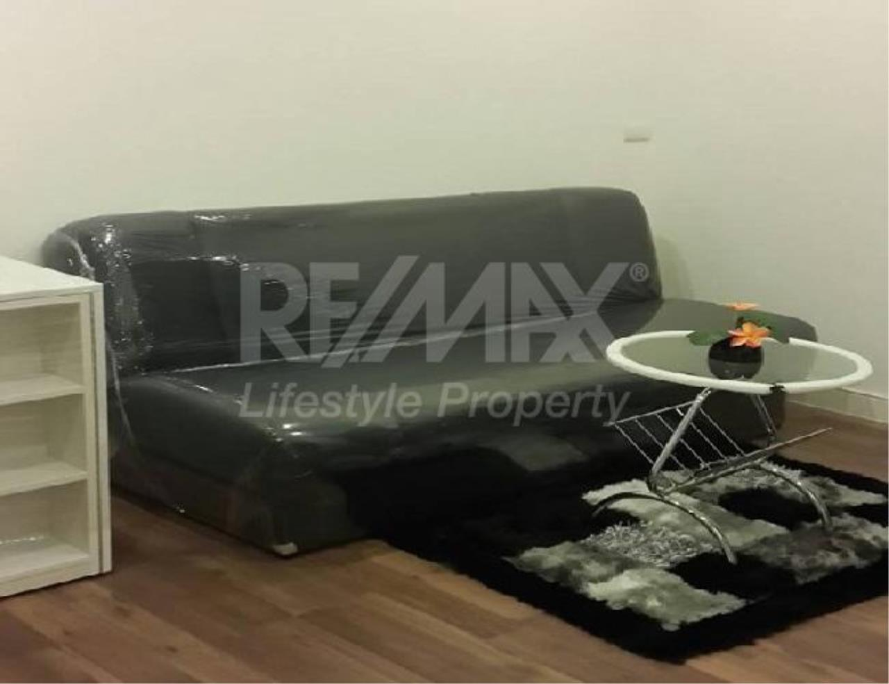 RE/MAX LifeStyle Property Agency's The Room Sukhumvit 62 8