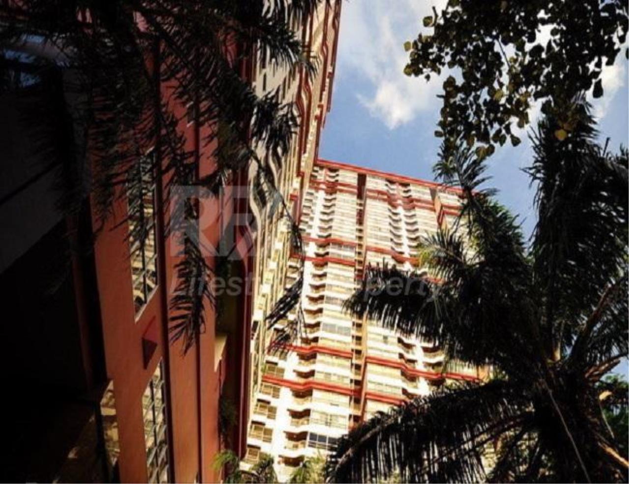 RE/MAX LifeStyle Property Agency's Pathumwan Resort 12