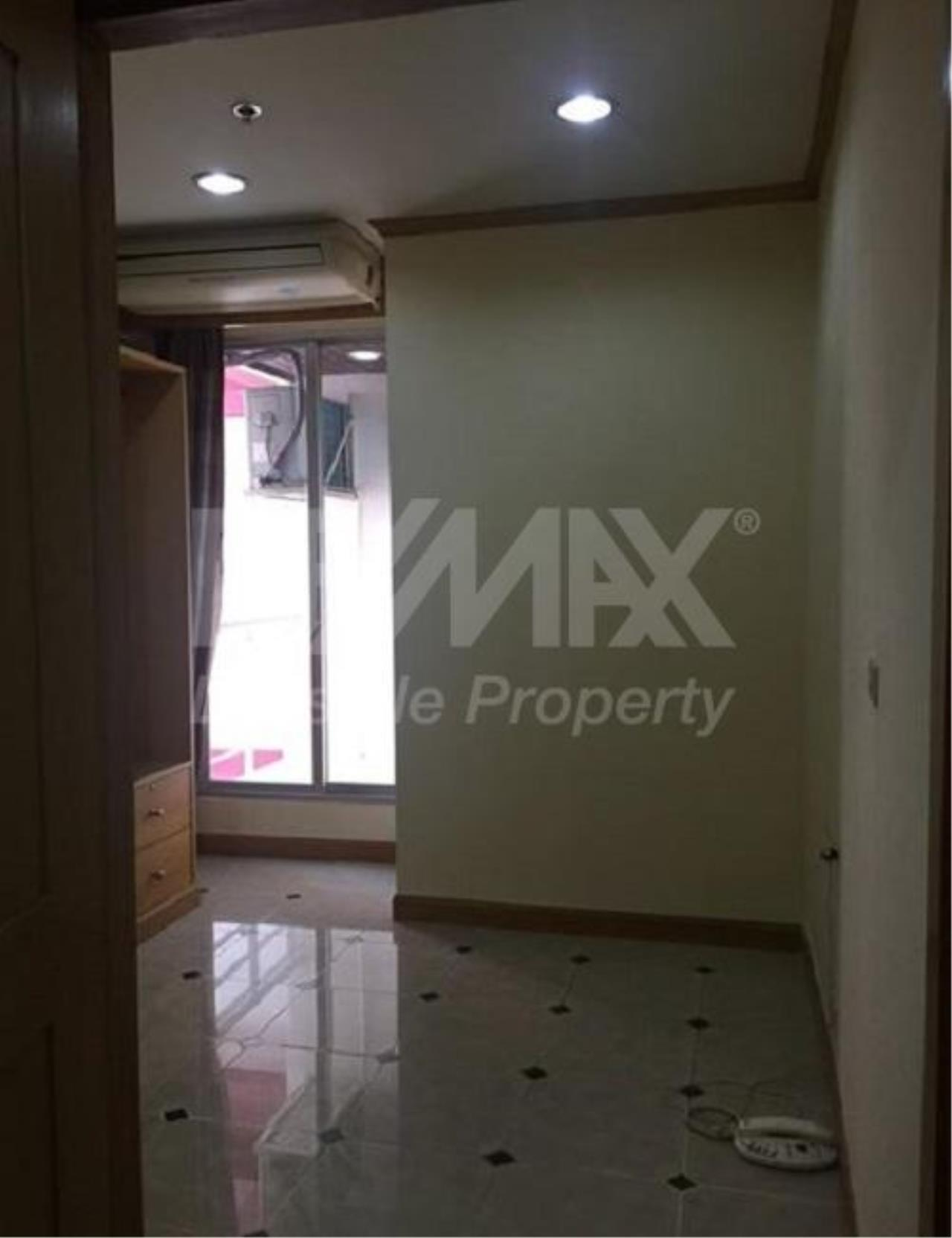 RE/MAX LifeStyle Property Agency's Pathumwan Resort 7