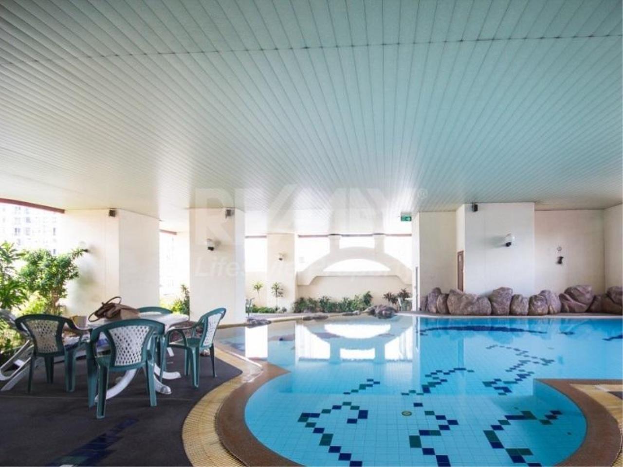 RE/MAX LifeStyle Property Agency's Pathumwan Resort 11