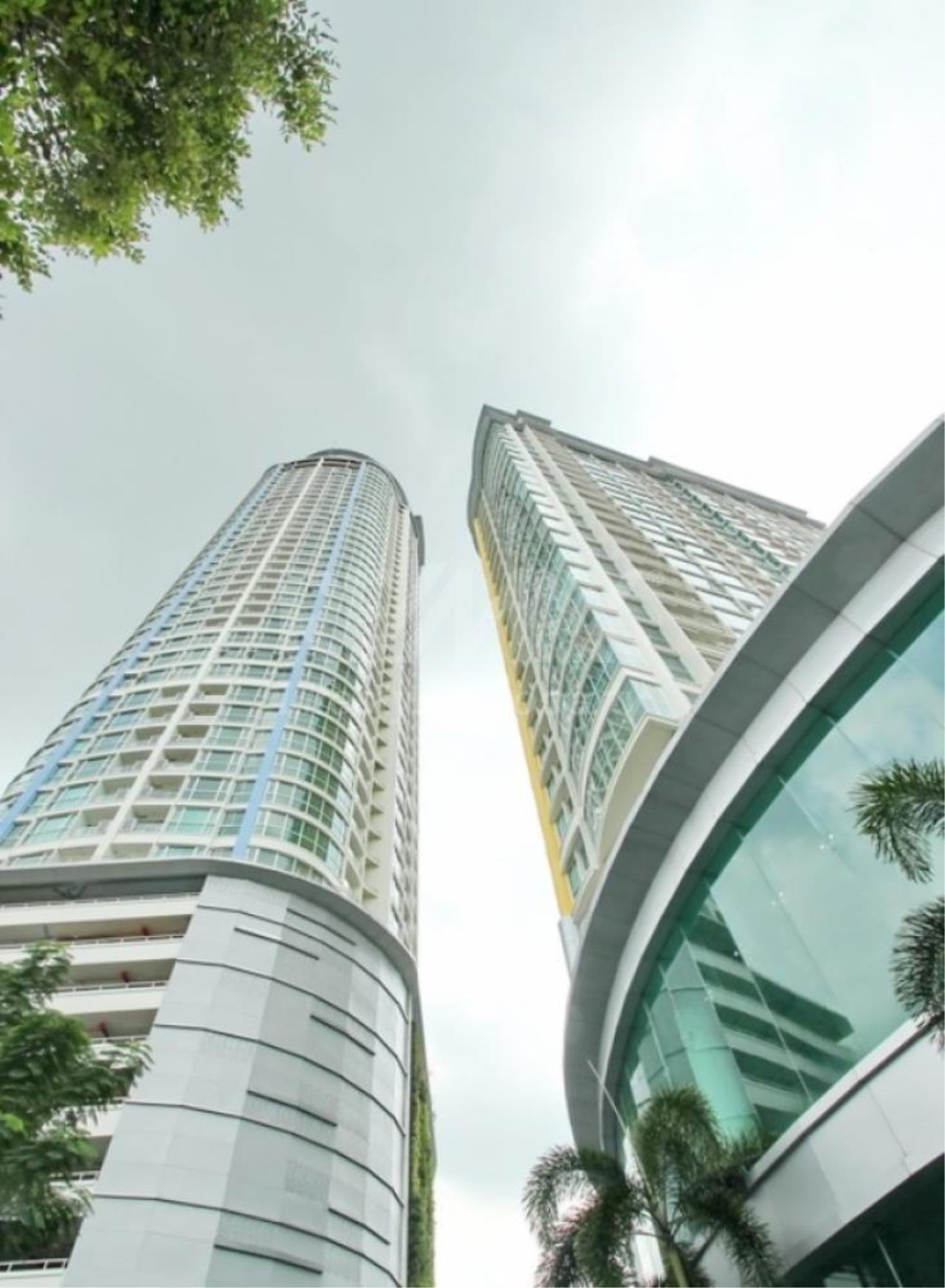 RE/MAX LifeStyle Property Agency's Sky Walk Condominium 8