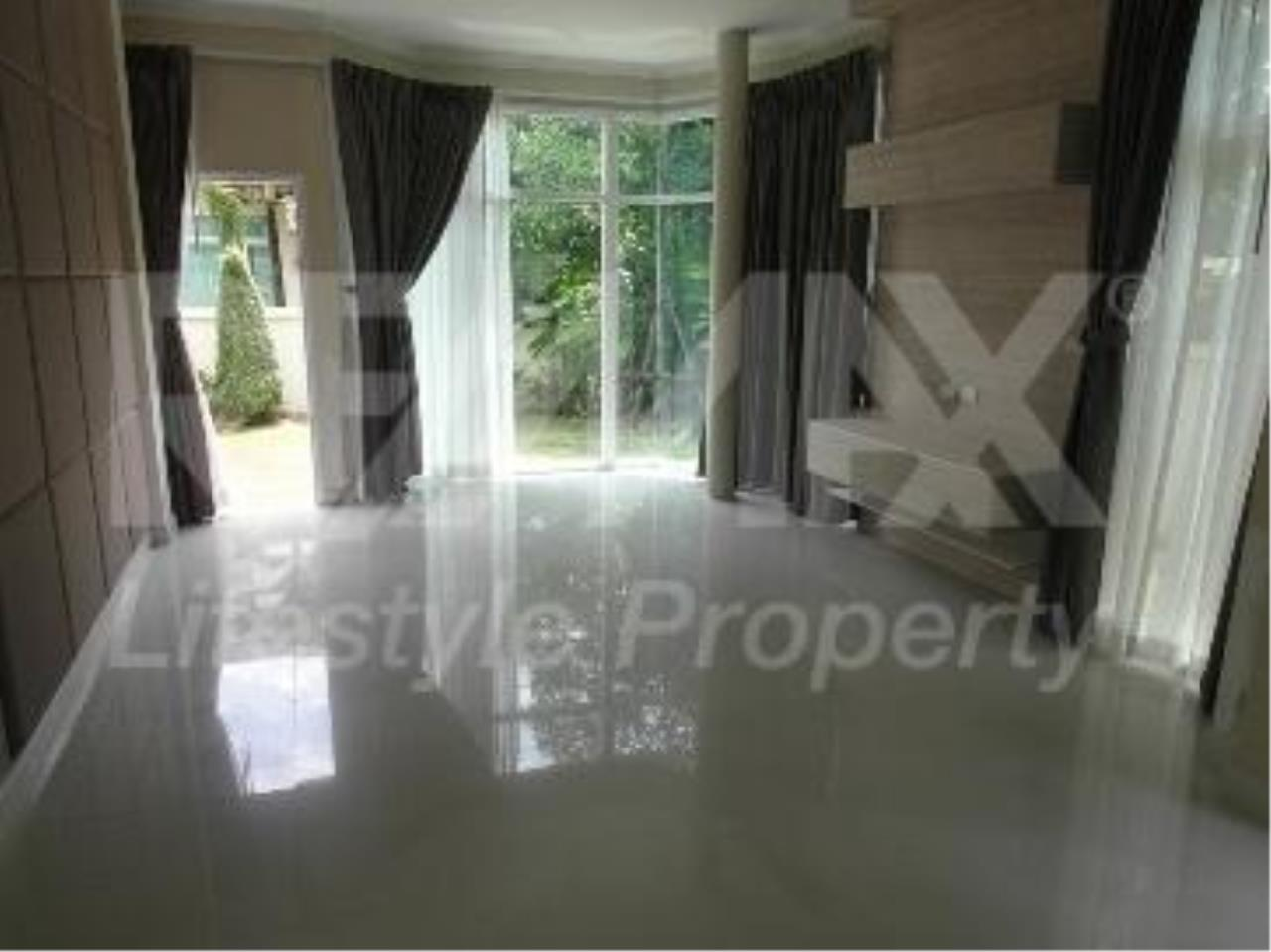 RE/MAX LifeStyle Property Agency's House Rama 9 8