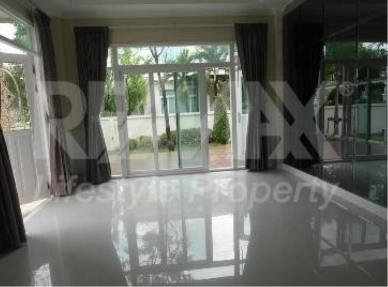 RE/MAX LifeStyle Property Agency's House Rama 9 7