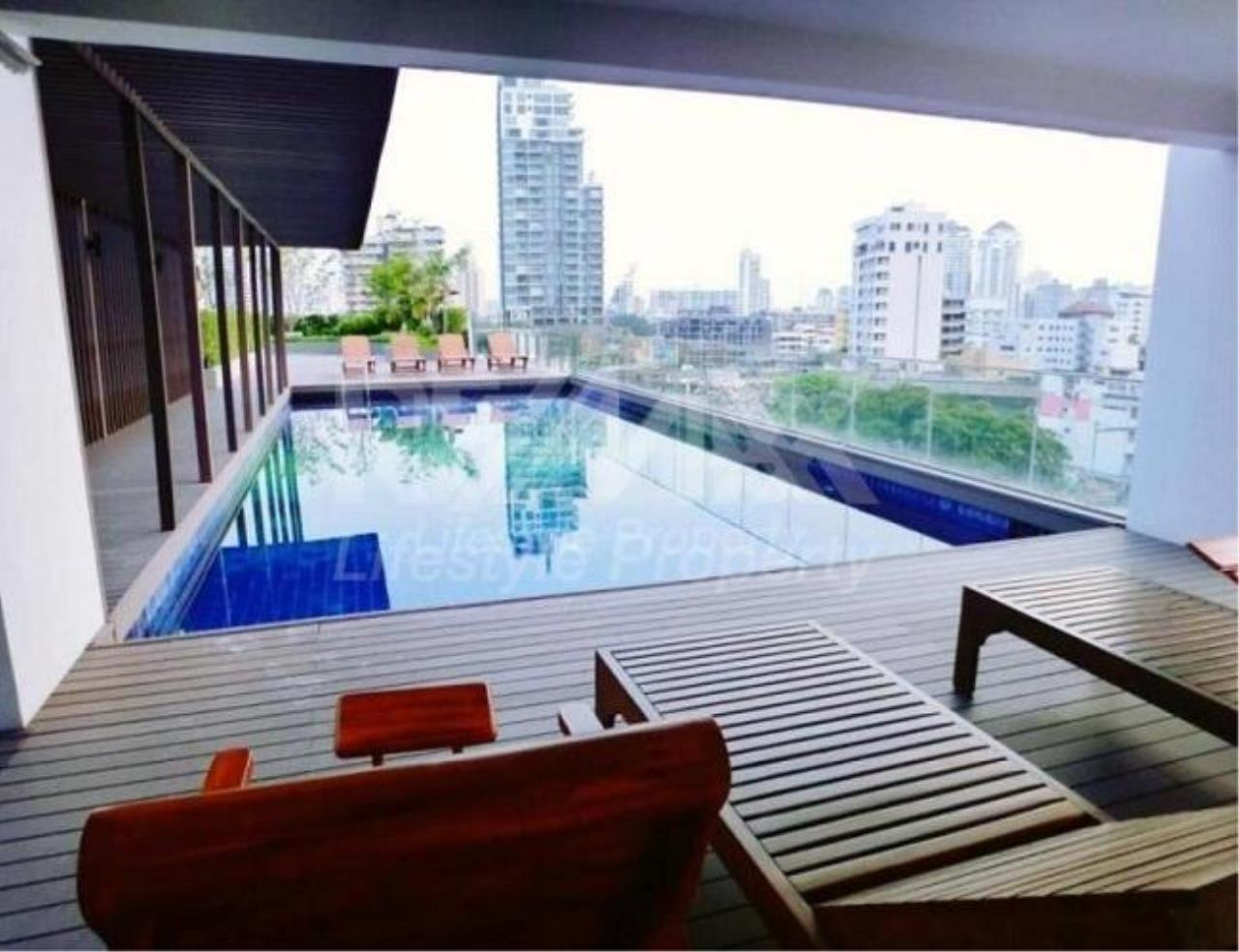 RE/MAX LifeStyle Property Agency's Tidy Deluxe Sukhumvit 34 2