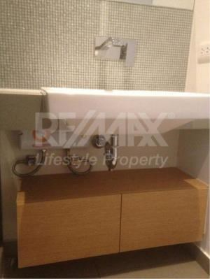 RE/MAX LifeStyle Property Agency's The Lofts Ekkamai 14