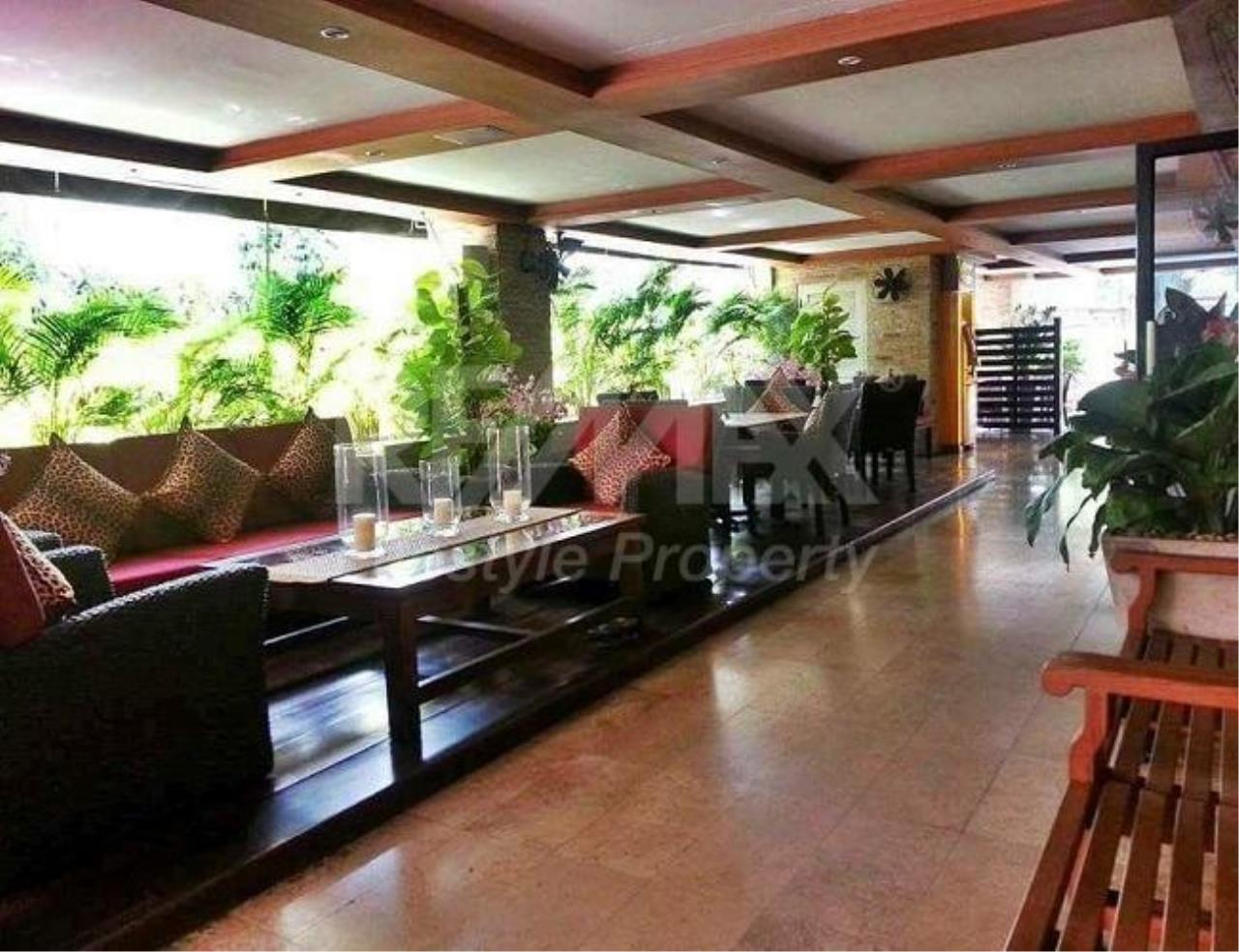 RE/MAX LifeStyle Property Agency's Casa Viva 10