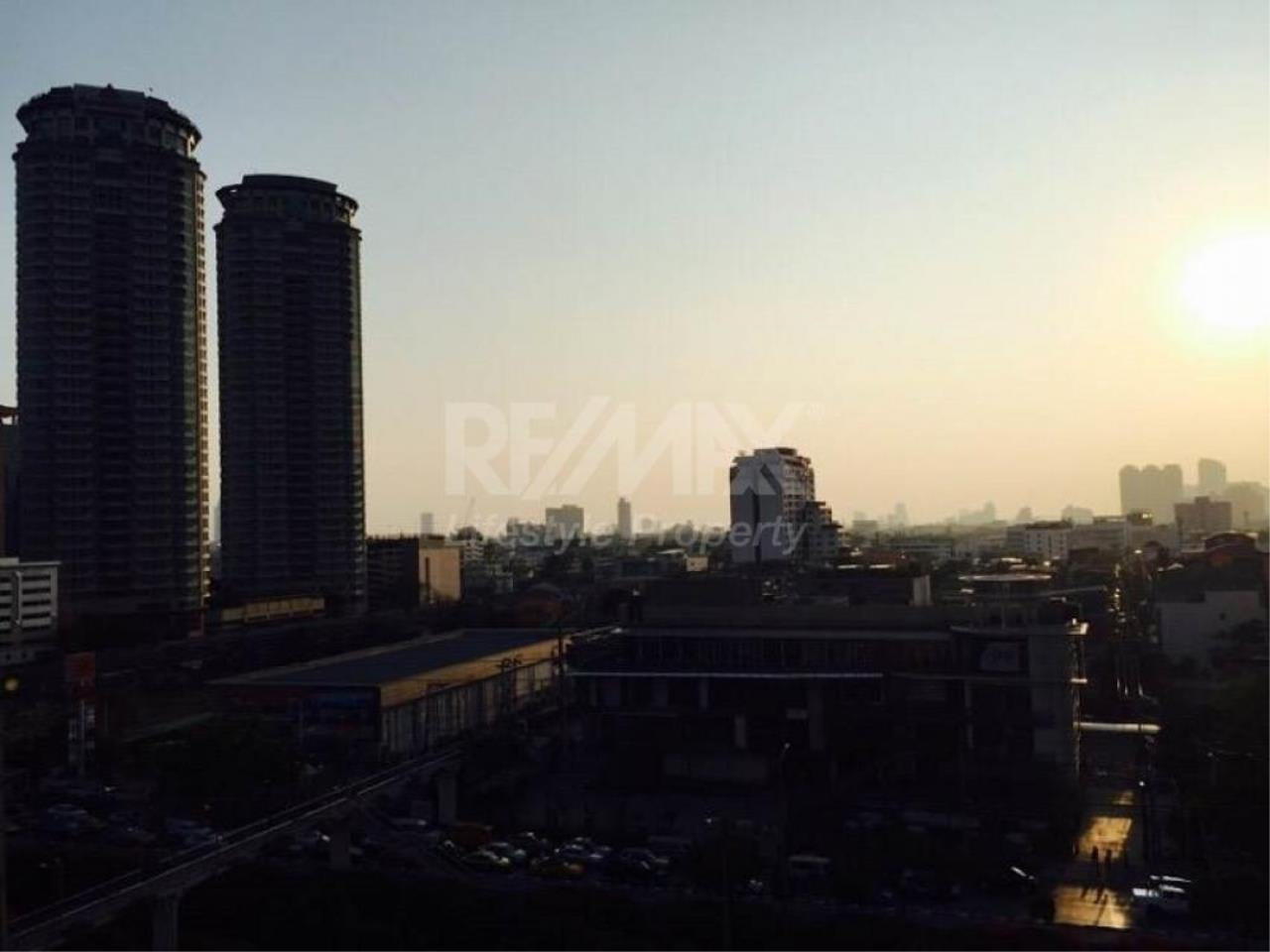 RE/MAX LifeStyle Property Agency's Rhythm Sathorn - Narathiwas 5