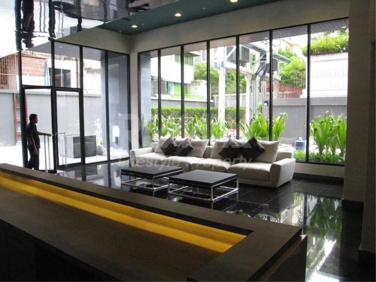 RE/MAX LifeStyle Property Agency's Noble Reflex 3
