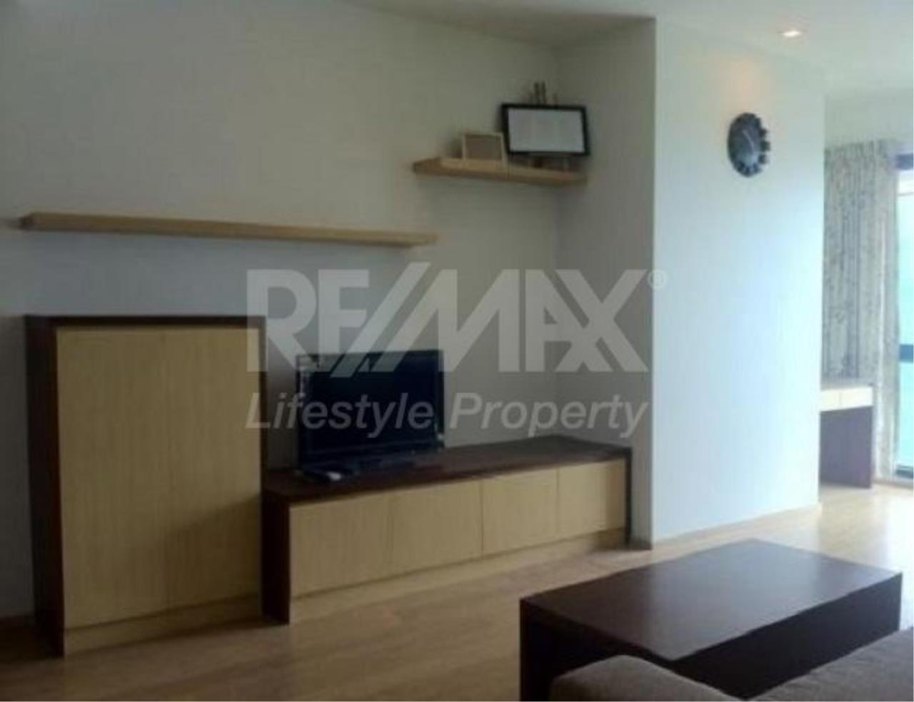 RE/MAX LifeStyle Property Agency's Noble Reflex 2
