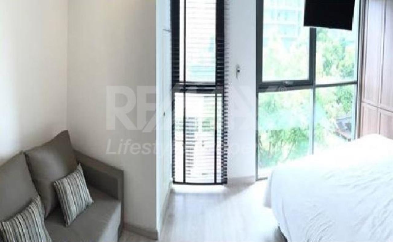 RE/MAX LifeStyle Property Agency's Ideo Mobi Sukhumvit 4