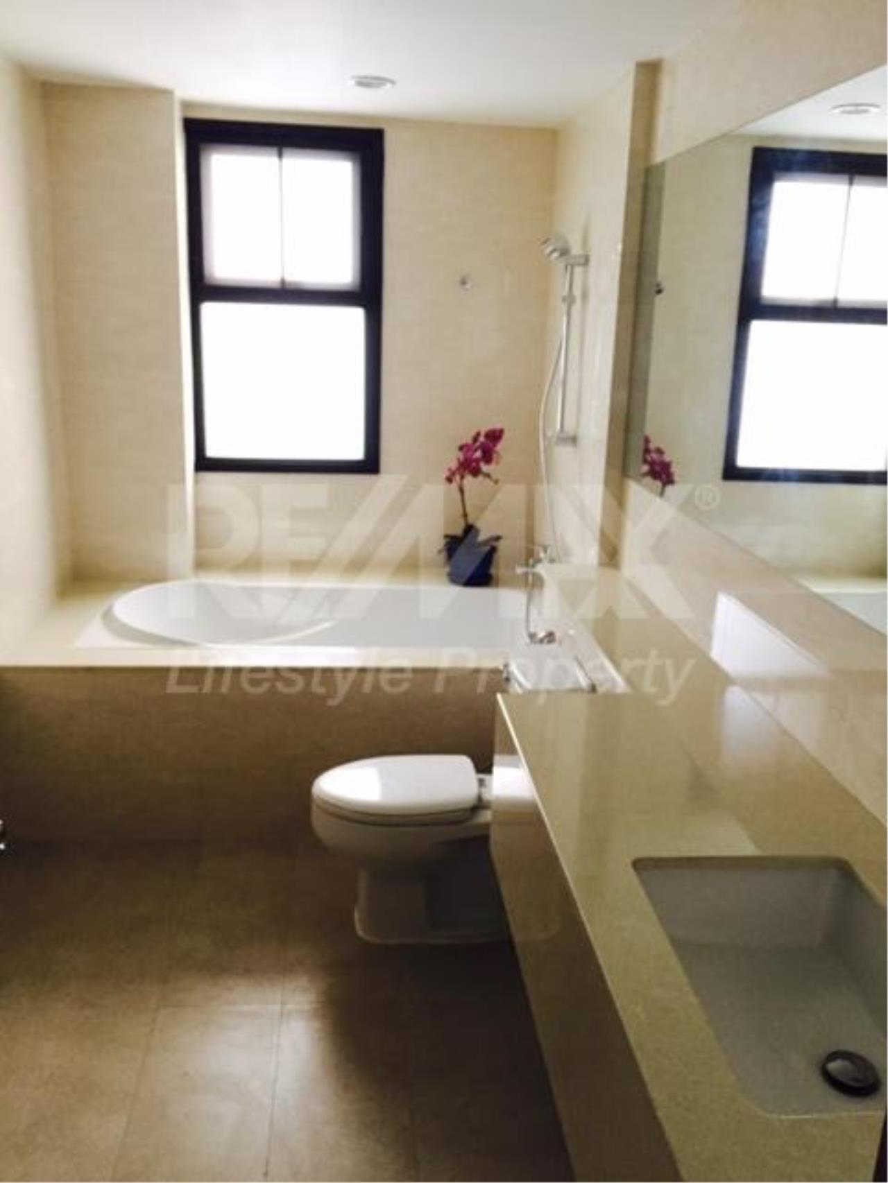 RE/MAX LifeStyle Property Agency's 459 Ekkamai 7