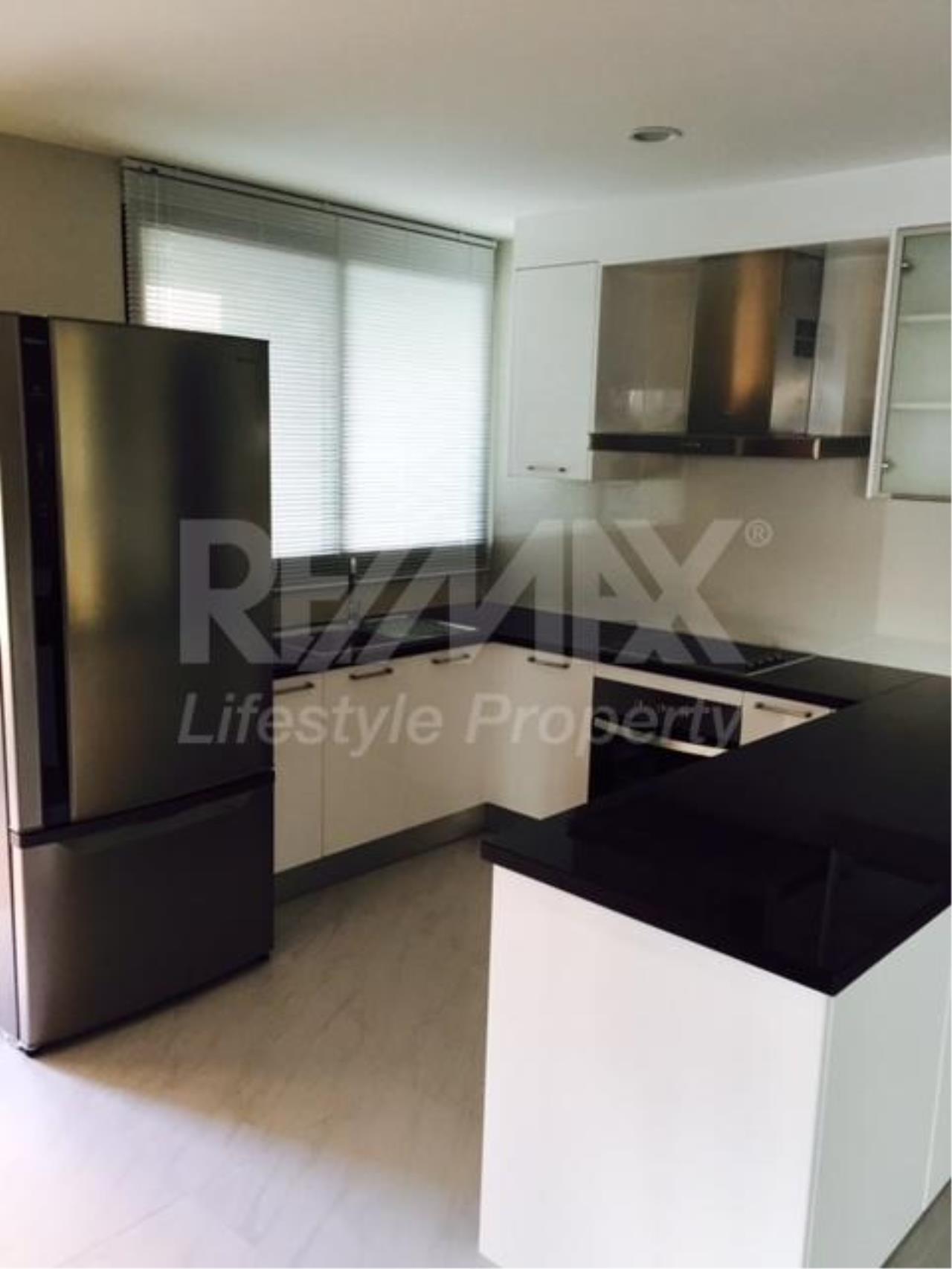 RE/MAX LifeStyle Property Agency's 459 Ekkamai 6