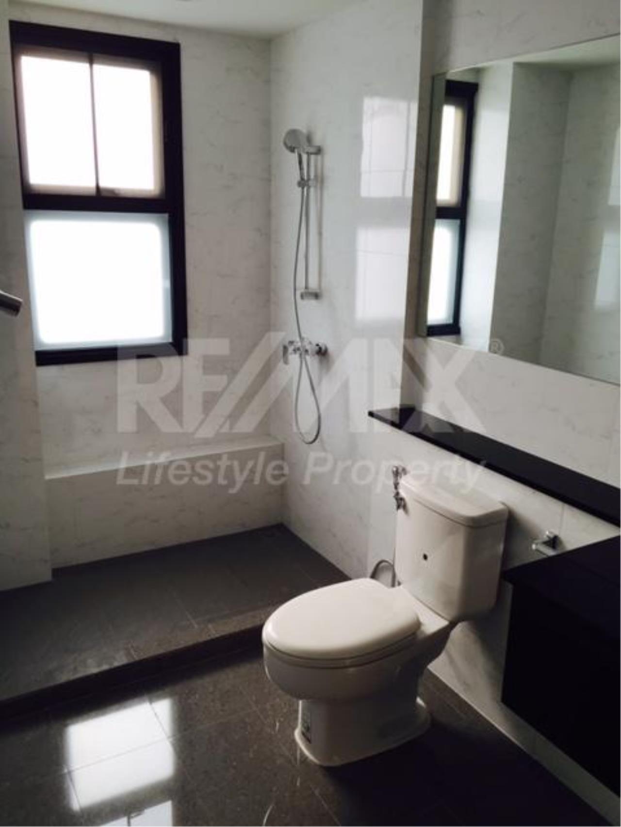 RE/MAX LifeStyle Property Agency's 459 Ekkamai 8