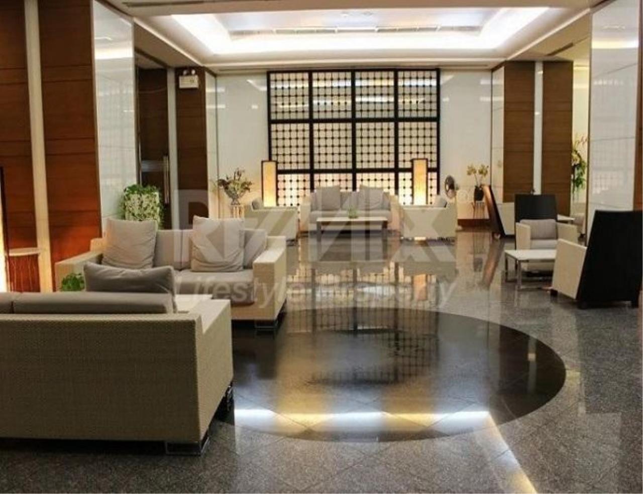 RE/MAX LifeStyle Property Agency's Baan Sathorn Chaopraya 4