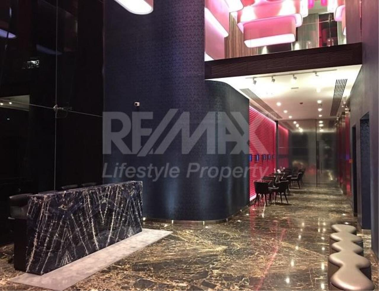 RE/MAX LifeStyle Property Agency's Edge Sukhumvit 23 7
