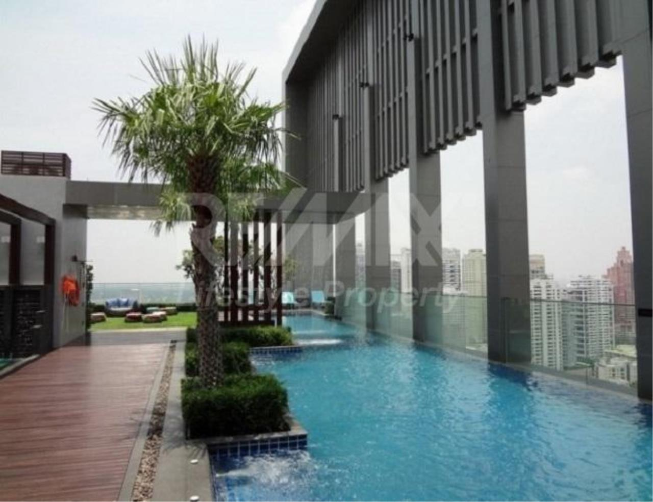 RE/MAX LifeStyle Property Agency's The Address Sukhumvit 28 2