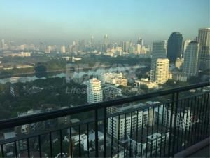 RE/MAX LifeStyle Property Agency's Aguston Sukhumvit 22 2