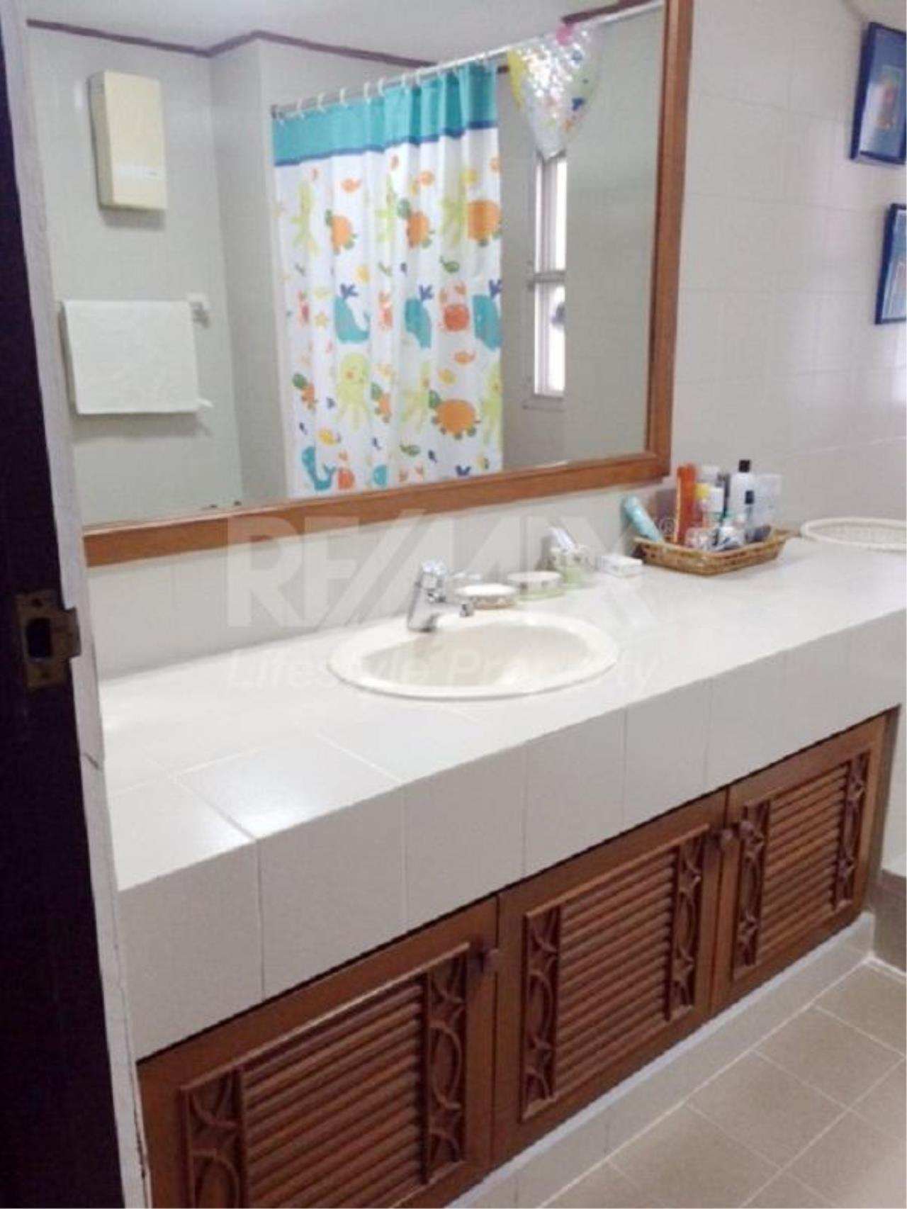 RE/MAX LifeStyle Property Agency's Raj Mansion 9