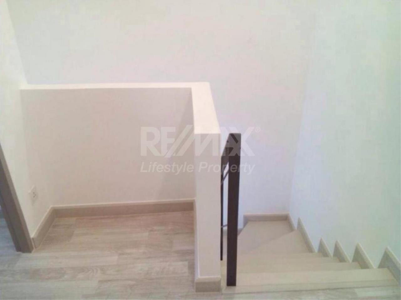 RE/MAX LifeStyle Property Agency's Ideo Mobi Sukhumvit 2