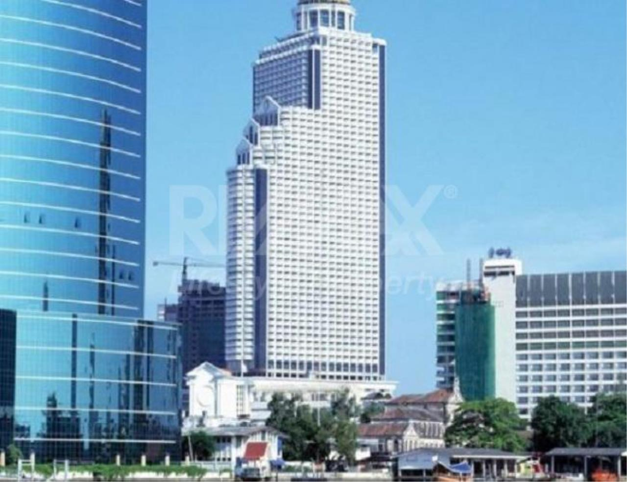 RE/MAX LifeStyle Property Agency's State Tower 2