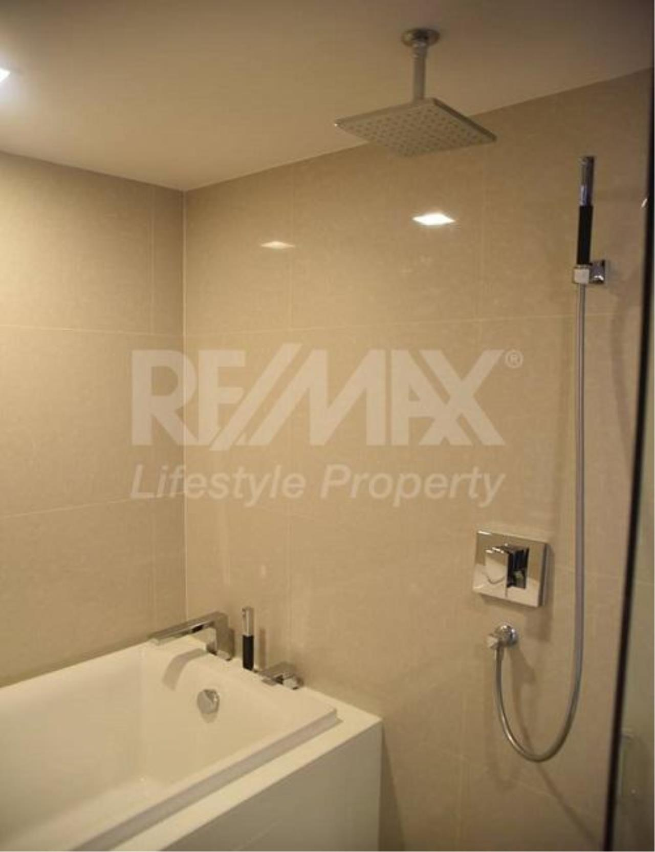 RE/MAX LifeStyle Property Agency's Liv@49 8