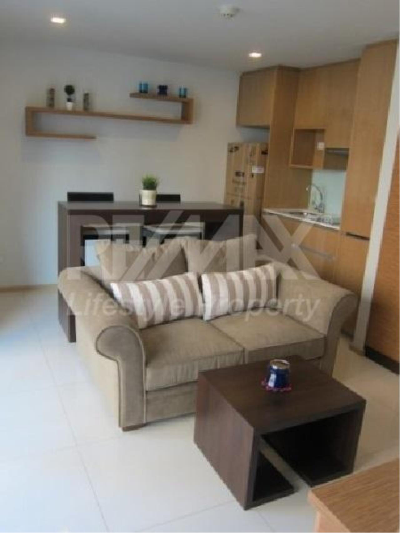 RE/MAX LifeStyle Property Agency's SOCIO Ruamrudee 11