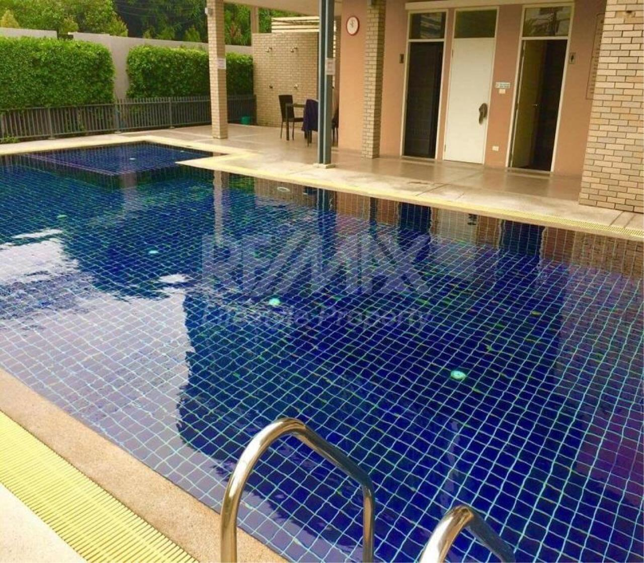 RE/MAX LifeStyle Property Agency's Town House Sukhumvit 77 2