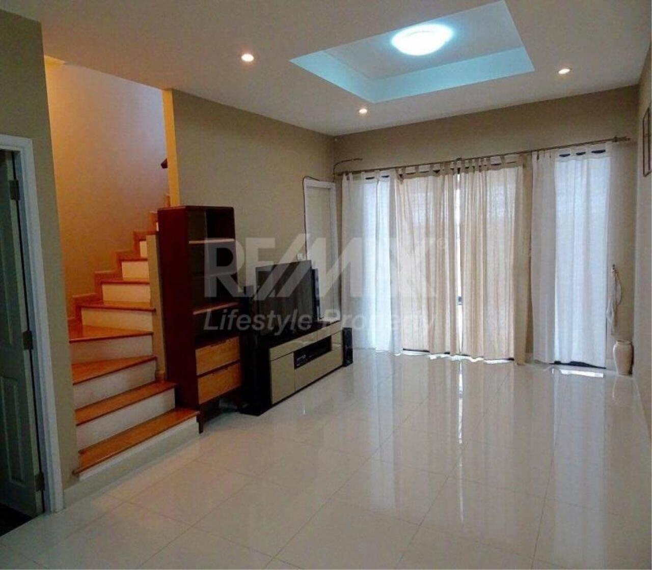 RE/MAX LifeStyle Property Agency's Town House Sukhumvit 77 14