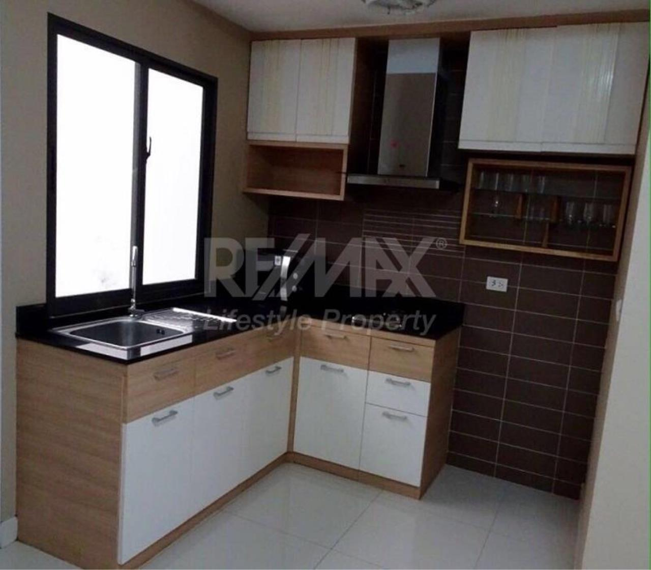 RE/MAX LifeStyle Property Agency's Town House Sukhumvit 77 17