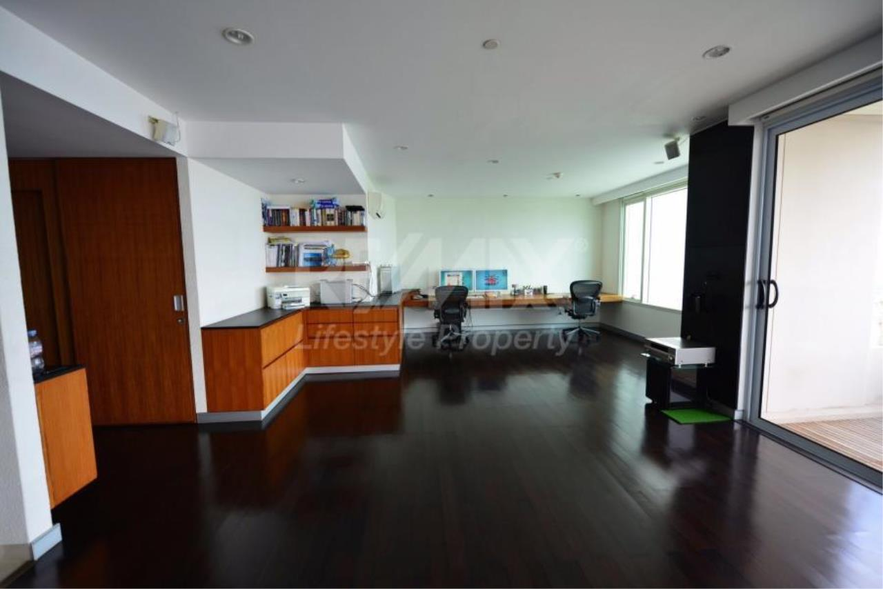 RE/MAX LifeStyle Property Agency's Watermark Chaophraya 10