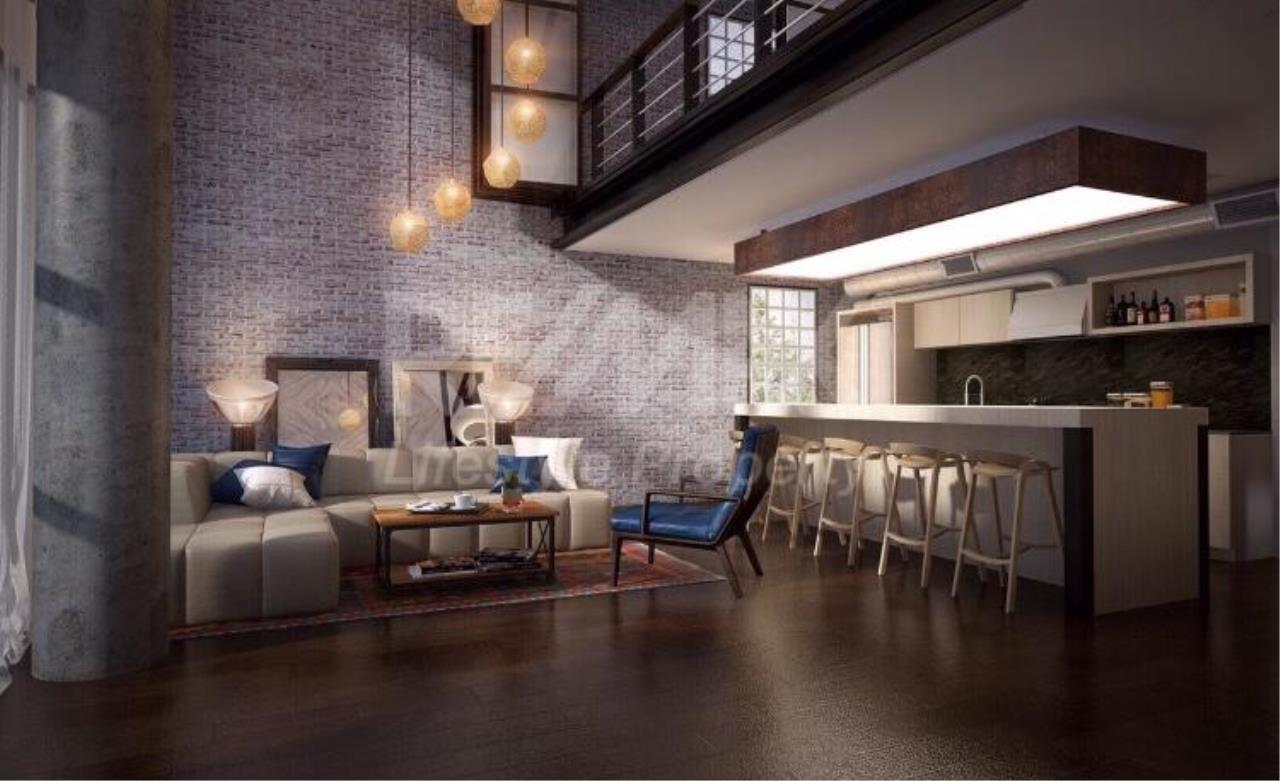RE/MAX LifeStyle Property Agency's Penthouse condominium 3 3