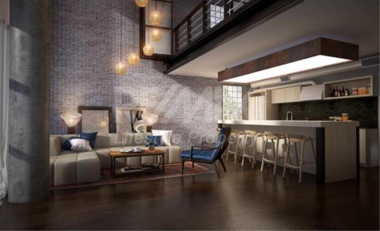 RE/MAX LifeStyle Property Agency's Penthouse condominium 3 4