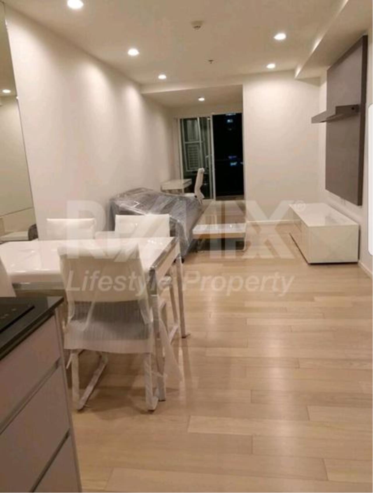 RE/MAX LifeStyle Property Agency's 15 Sukhumvit Residences 1