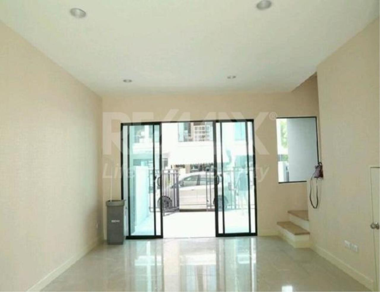 RE/MAX LifeStyle Property Agency's Town House Rama9-Ramkamhaeng 6