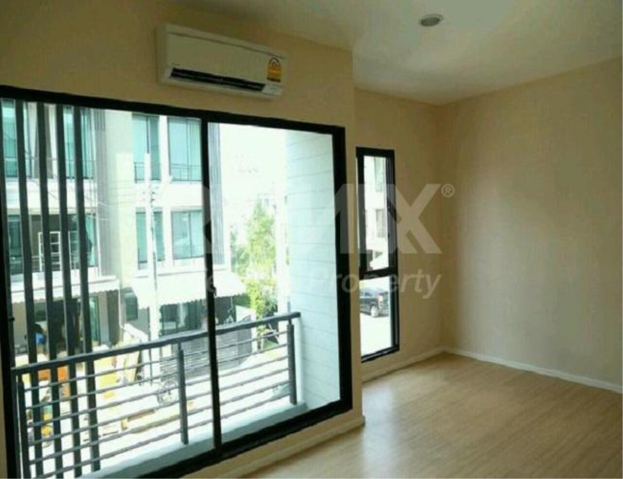 RE/MAX LifeStyle Property Agency's Town House Rama9-Ramkamhaeng 2