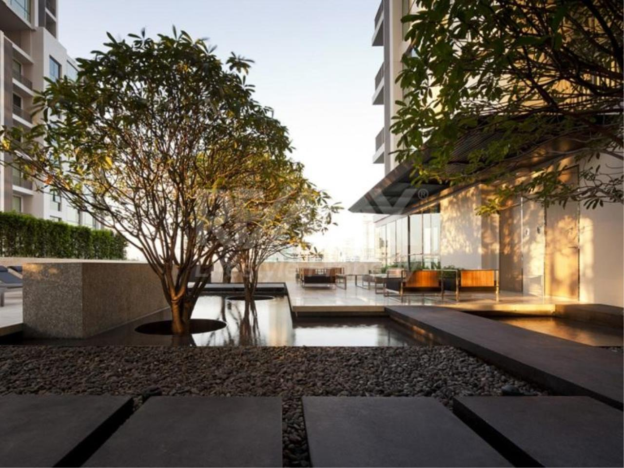 RE/MAX LifeStyle Property Agency's Quattro by Sansiri 7