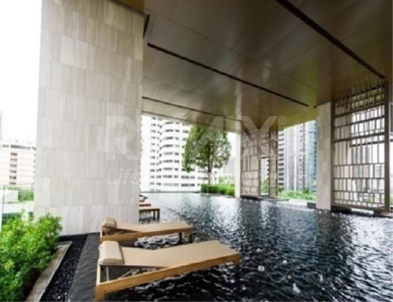 RE/MAX LifeStyle Property Agency's The XXXIX by Sansiri 8