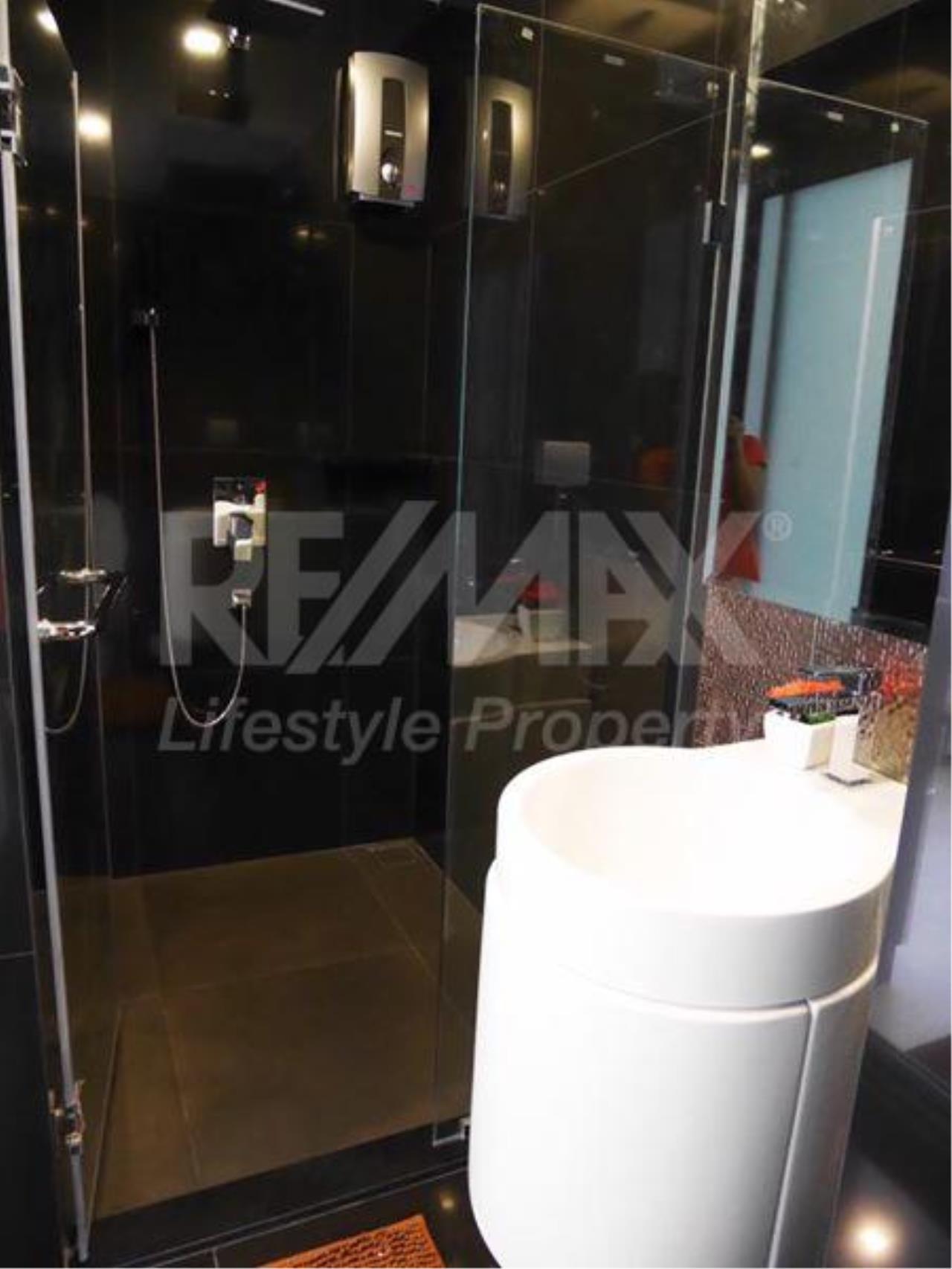RE/MAX LifeStyle Property Agency's Rhythm Sukhumvit 36-38 7