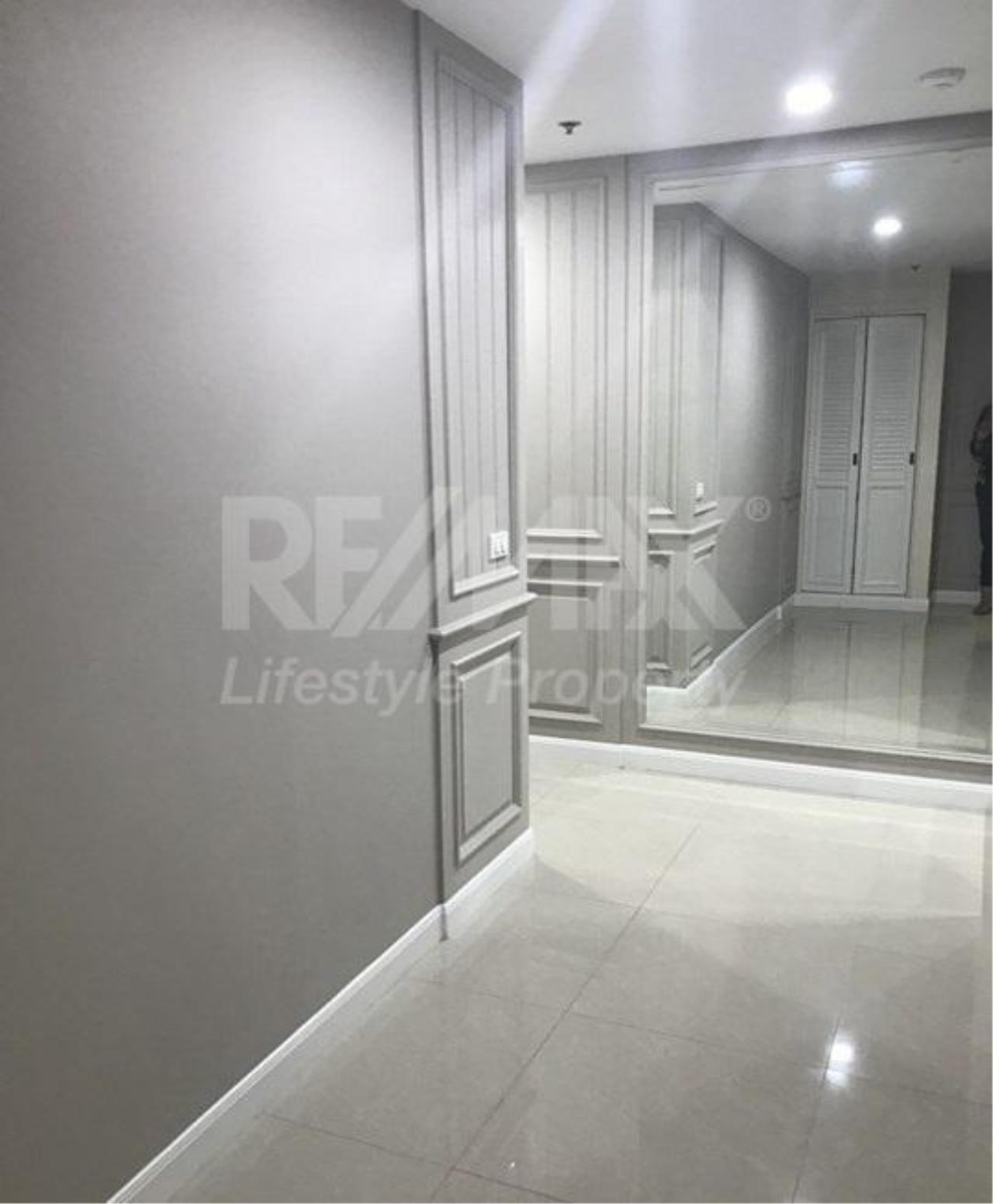 RE/MAX LifeStyle Property Agency's Langsuan Ville 6