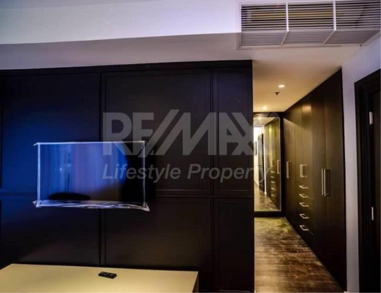 RE/MAX LifeStyle Property Agency's The Emporio Place 4