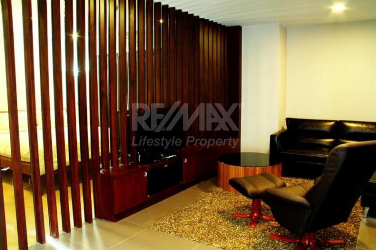 RE/MAX LifeStyle Property Agency's Renova Residence Chidlom 3